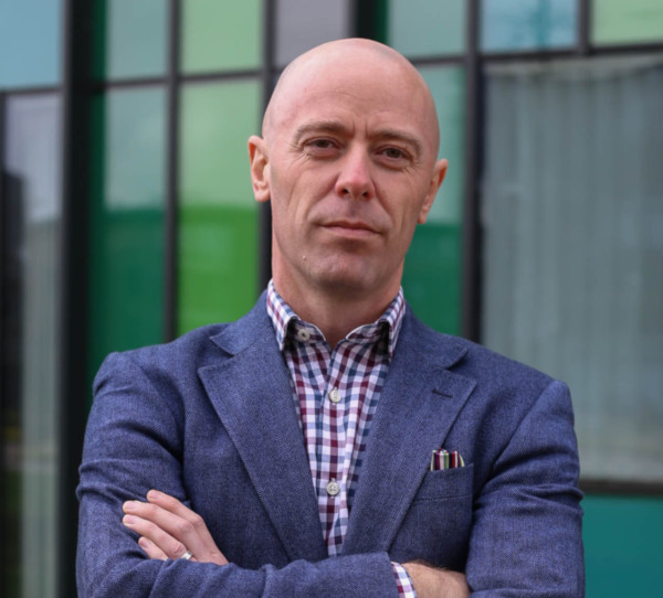Kristien Esser - Medical Device Aesthetics Search CEO